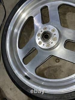 1993 CBR 900 RR front rim wheel 17 in Chrome STRAIGHT 93 94 900RR With Tire