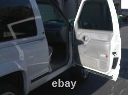1996 Chevrolet Tahoe LT 2dr 4X4 V8 5.7L Automatic Chrome Wheels