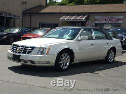 2011 Cadillac DTS Luxury Collection withChrome Wheels