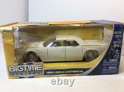 Jada X2 1963 Lincoln Continental 124 White With Chrome Wheels & CC Please Read