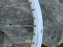 Late 1980's Old School Wheel Set & Hub WithFreewheel Chrome/White 20x1.75/2.125