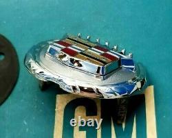 Mint 76 77 78 79 Cadillac Seville Trunk Lock Cover Crest Emblem Flip Deck LID Gm