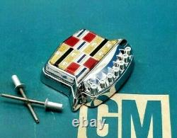 New Take-off 80 96 Cadillac Trunk Lock Cover Crest Emblem Flip LID Ornament Gm