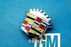 Nos 1971 Cadillac Hood Crest Emblem Deville Calais 1 Year Only 71 Gm Trim