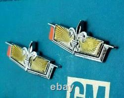 Nos 77 90 Chevy Caprice Classic Roof Emblem Set Sail Panel Ornament Wagon Oem Gm