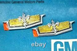 Nos 80 90 Chevy Caprice Classic Crest Sail Panel Roof Emblem Set Gm